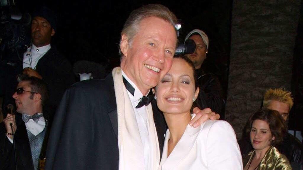 Jon Voight: las idas y venidas de Angelina Jolie con su padre.