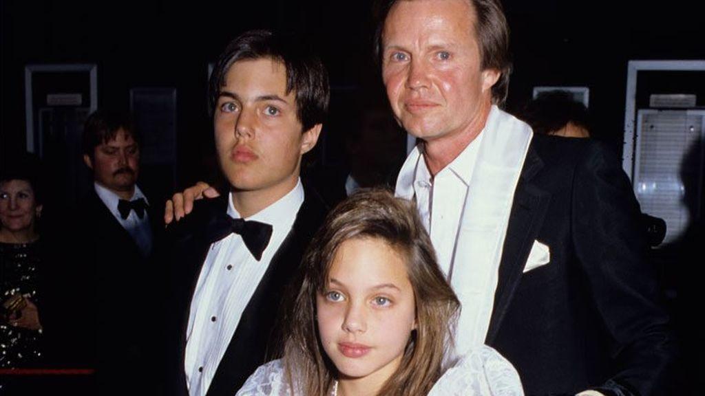 La mala relación entre Jon Voight y sus hijos comenzó con la separación del matrimonio.