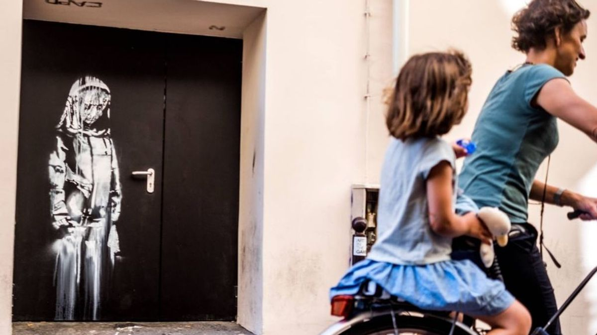 Italia devuelve a Francia la puerta robada con el homenaje de Bansky a las vícitmas de Bataclan