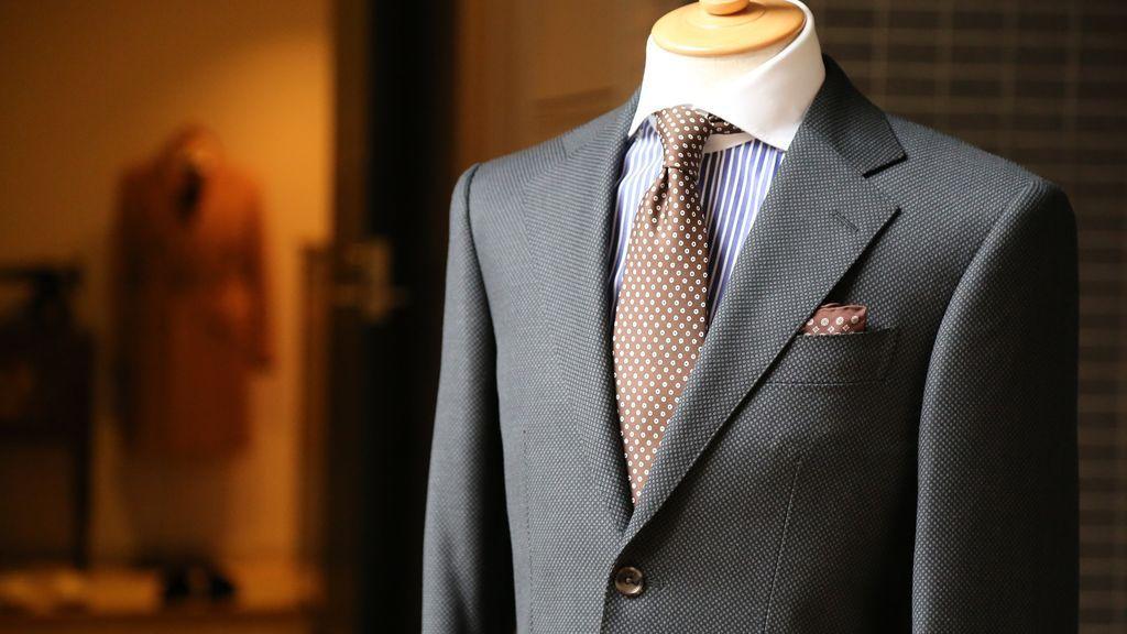 3 trucos para saber tu talla de traje exacta.