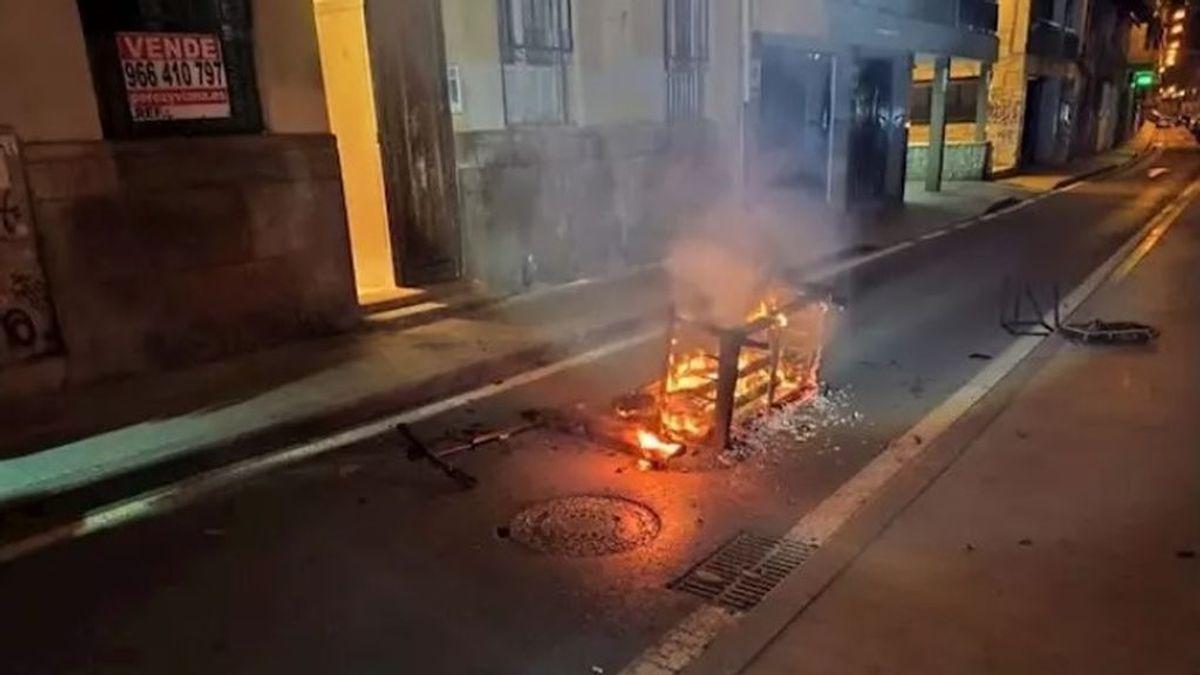 La batería de un patinete eléctrico explota y provoca un incendio en una vivienda de Alicante