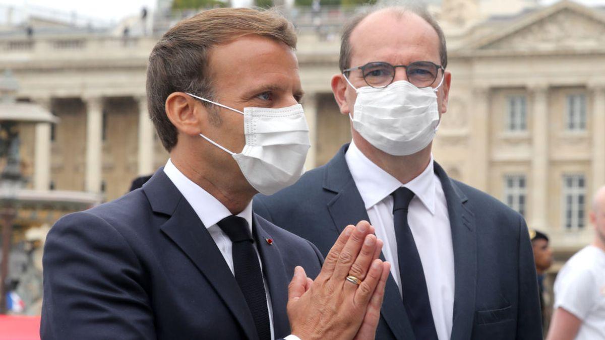 """Macron obligará a llevar mascarilla """"en todo lugar cerrado"""" de Francia a partir del 1 de agosto"""