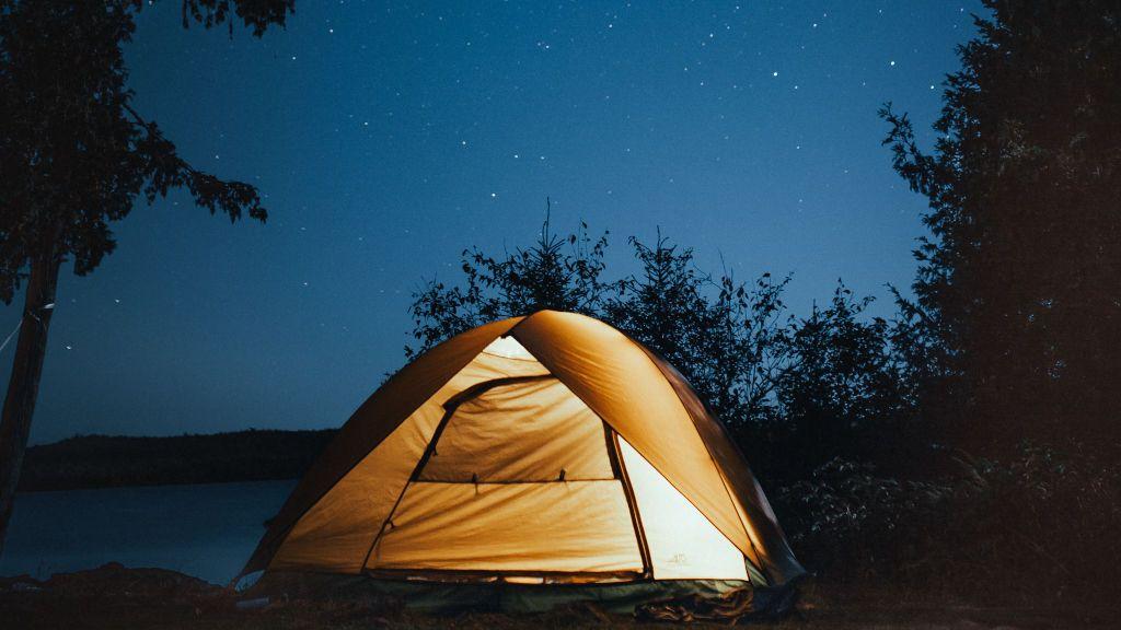 Acampar al aire libre puede suponer sanciones de hasta 6.000 euros