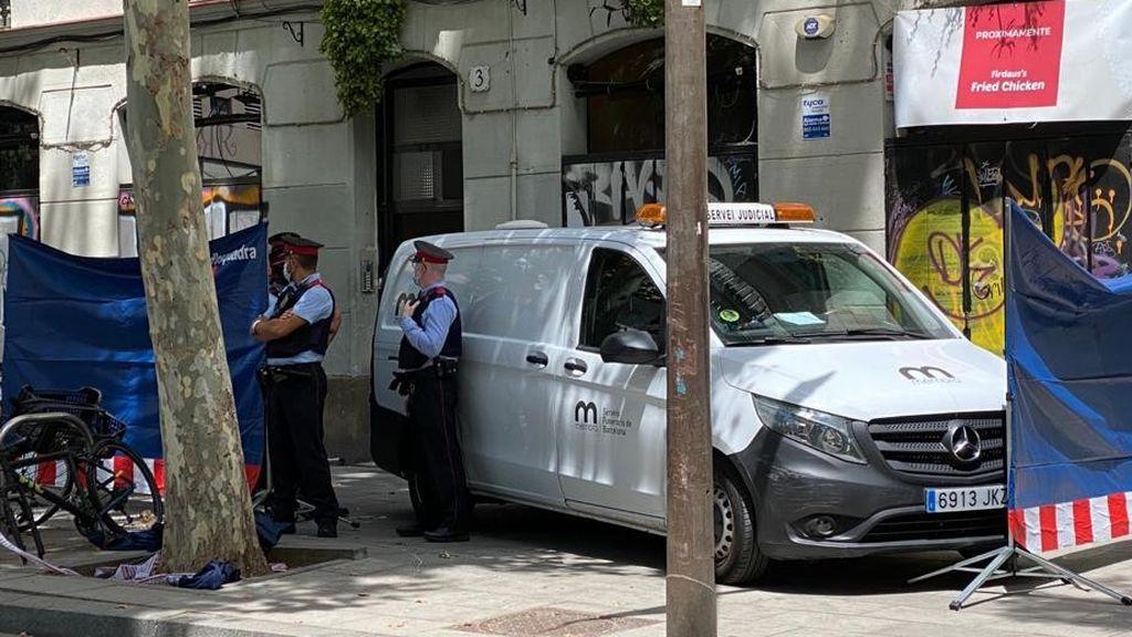 Muere una mujer tras ser degollada por un hombre en presencia de su hijo menor en Barcelona